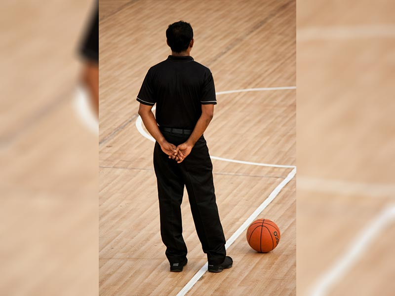 How do NBA athletic trainers prepare players for a game?